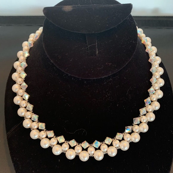 Handcrafted Jewelry - Wedding necklace of Swarovski pearls and crystals